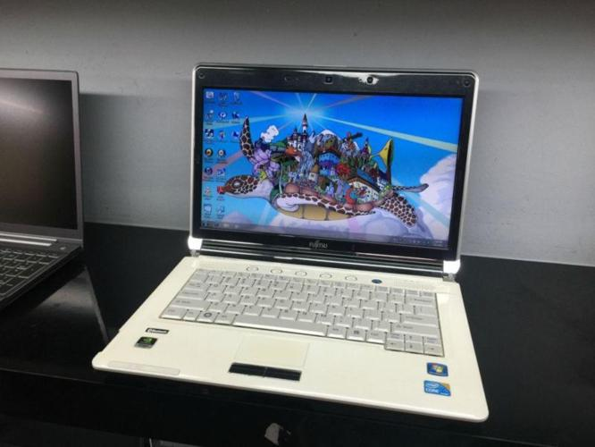 Pre-Owned 14Inch Fujitsu Lifebook LH700