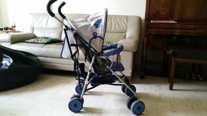 Preloved blue stroller, enjoy FREE toy with purchase