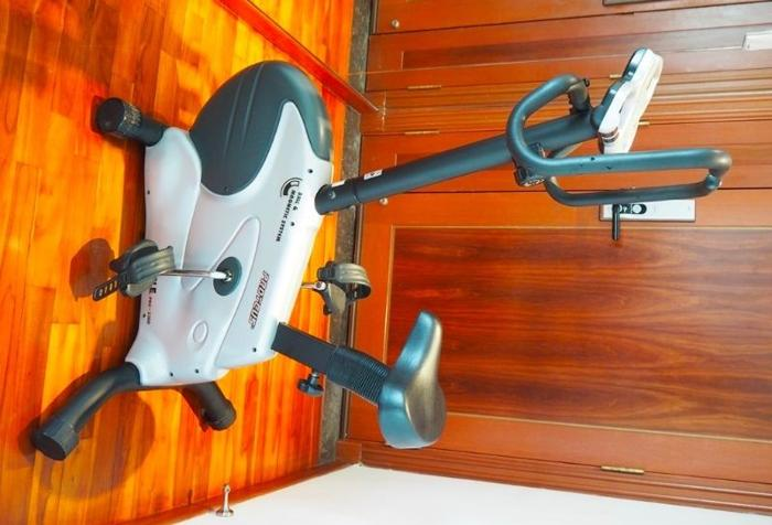 Proteus stationary bicycle (NEGOTIABLE)