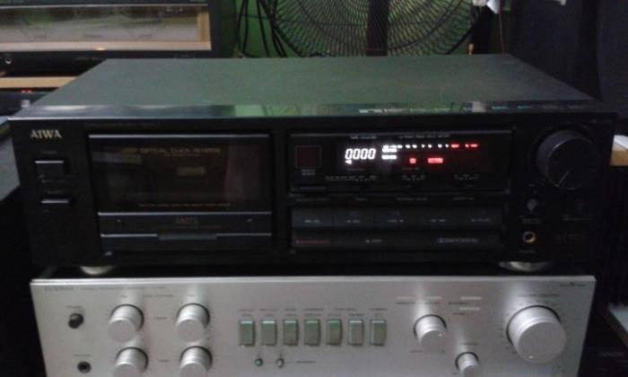 QUALITY AIWA CASSETTE TAPE NEED TO REPLACE NEW RUBBER