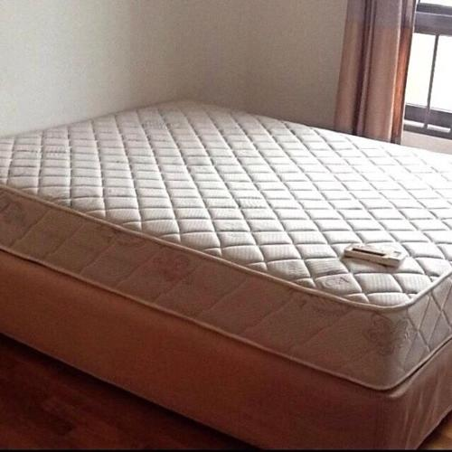 QUEEN MASTER BED+ bed sidi drower // good condition