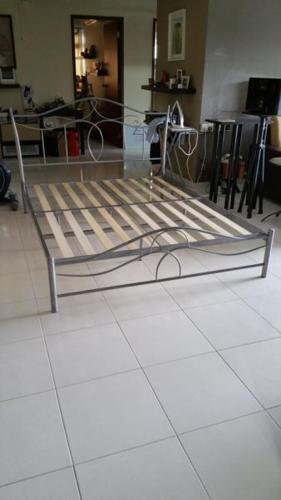 QUEEN SIZE METAL BED FRAME $100
