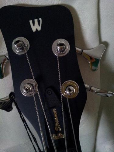 Quick deal!! Selling warwick streamer standard 4 string