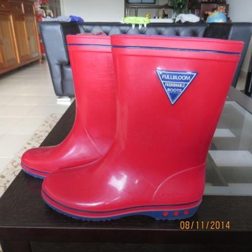 rainboots ,red colour,bought from japan