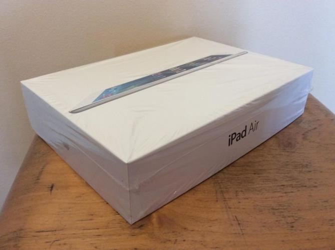 Rare iPad Air 128GB 4G WIFI for sale, SMS NOW for