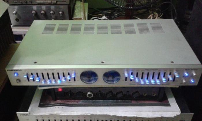 RARE QUALITY PARAMAX EQUALIZER WITH BUILT IN VU METERS.