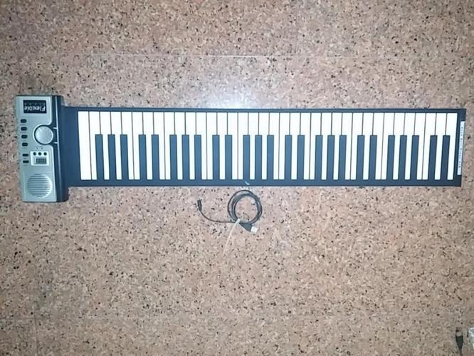 Roll up midi piano 61 keys portable
