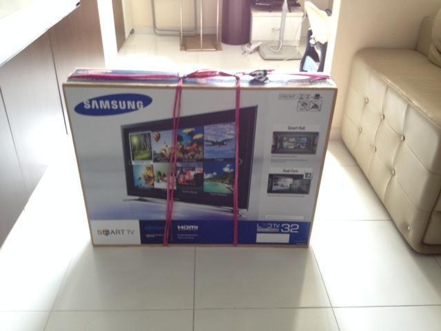 "Samsung 32"" Series 4 Smart LED TV"