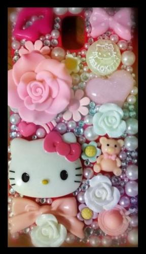 Samsung Note 3 Hello Kitty cover. SUPER CUTE!!!