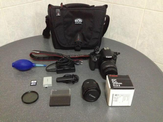 Selling good condition Canon 500D with 2 lenses