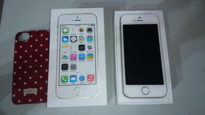 Selling Used Iphone 5S Gold 16GB for $500