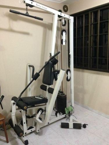 Home gym package yellow heavy half rack with lats machine