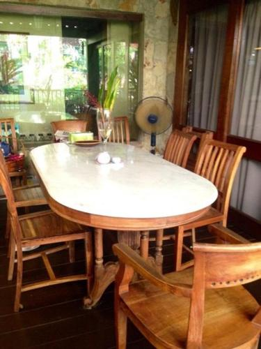 Solid Wood Table with 8 chairs