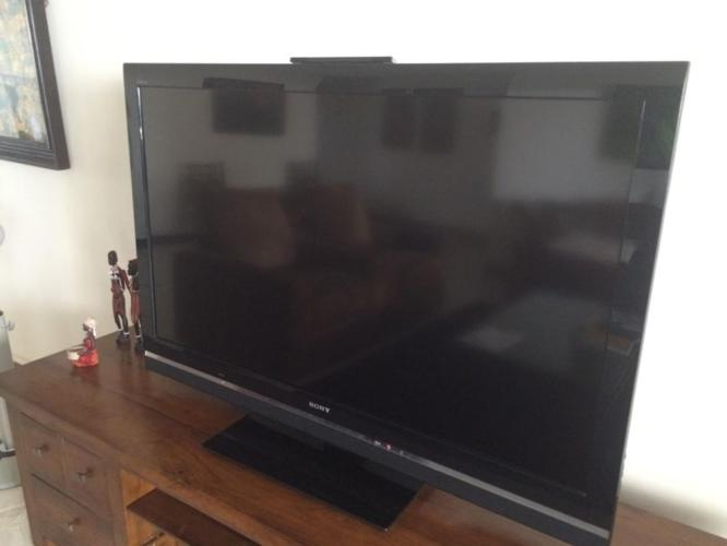 Sony Bravia 52 inches LCD television in excellent