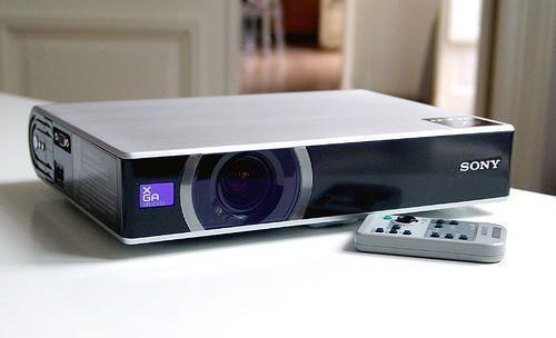 Sony VPL-CS20 Projector