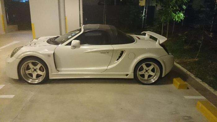 sport cars white with accessories