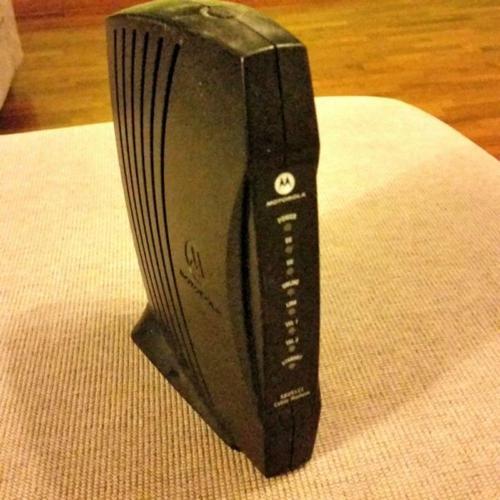 Starhub Motorola SBV5121i Voice-Enabled Cable Modem