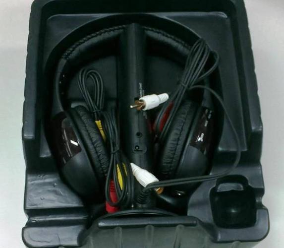 Super Hot Offer: Beautful Wireless Headphone WH-D2000
