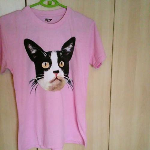 T-shirt (Cat's Head Design)