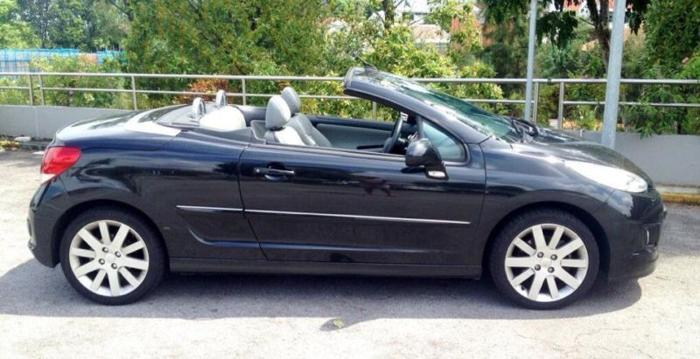 The Peugeot 207 CC - Stunning coupe convertible car for