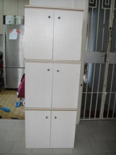 To clear space Storage cabinet $15 , call 98363384