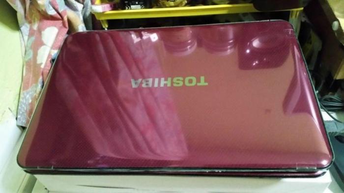 Toshiba Satellite M840(8GB RAM,upgrade Win 7Pro Office