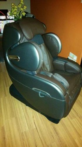 Under utilised Osim Massage Chair - uInfinity