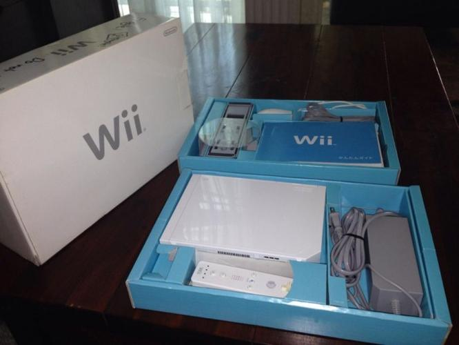 Unused Wii console and controller