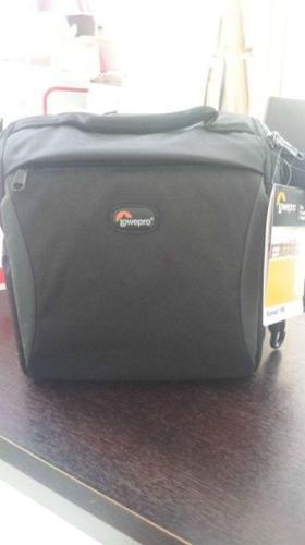 URGENT !! New camera bag S$30