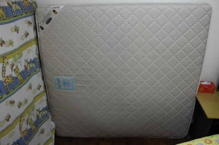 USED ASIAN KING (180 x 190) SIZE MATRESS CHEAPEST IN