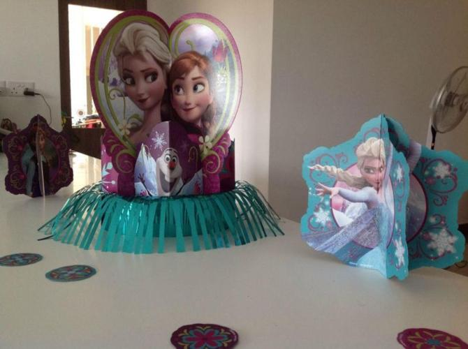 Used/ Brand New party DISNEY FROZEN party decoration