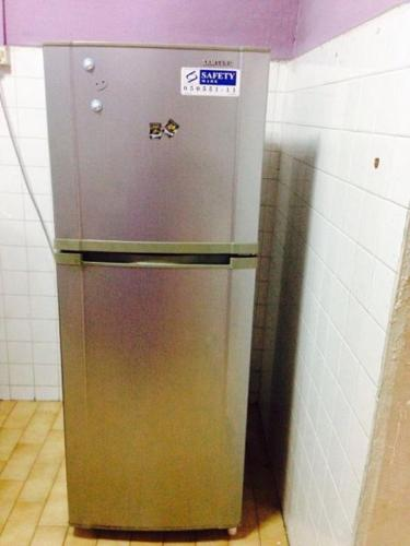 Used refrigerator in good condition for sale