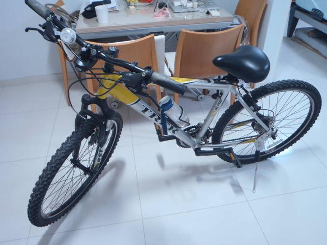 Used Trek Mountain Bike For Sale for Sale in Clementi Avenue