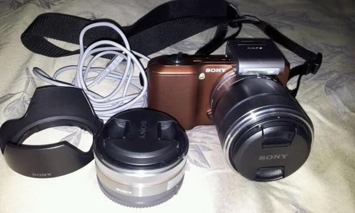 Very Slightly used NEX-3 full set digital Camera