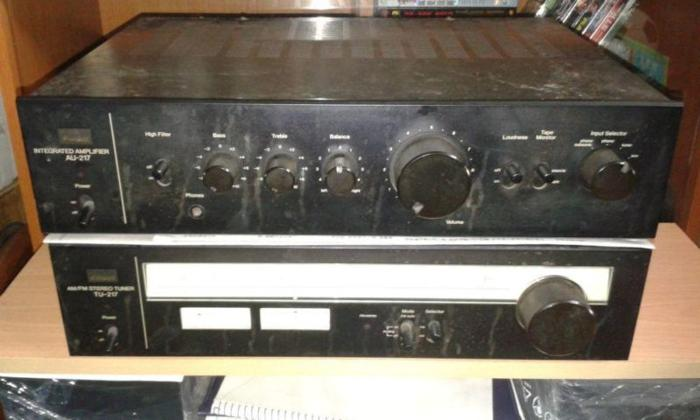 VINTAGE SANSUI AU-217 INTEGRATED AMPLIFIER SUIT FOR OLD
