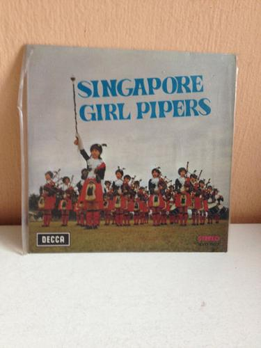 Vintage Vinyl Record - Singapore Girl Pipers