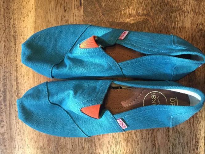 Wakai UNWORN BRAND NEW shoes