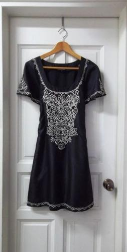WAREHOUSE | Beautifully Embroidered Dress