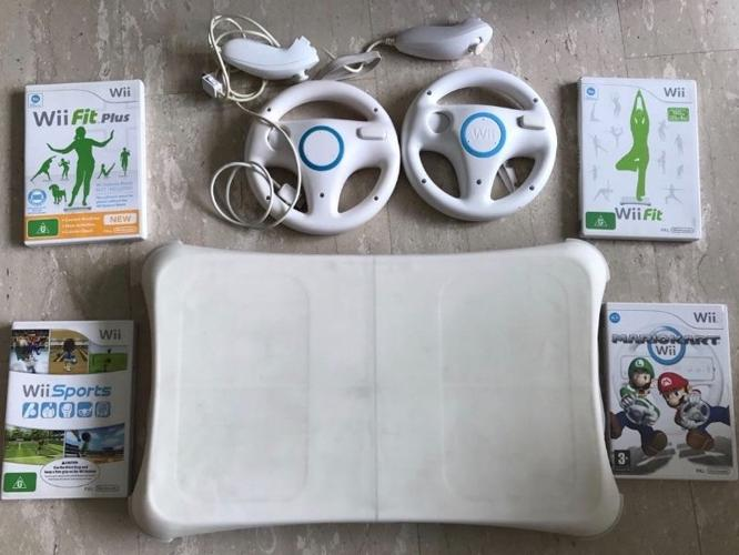 Wii accessories and games