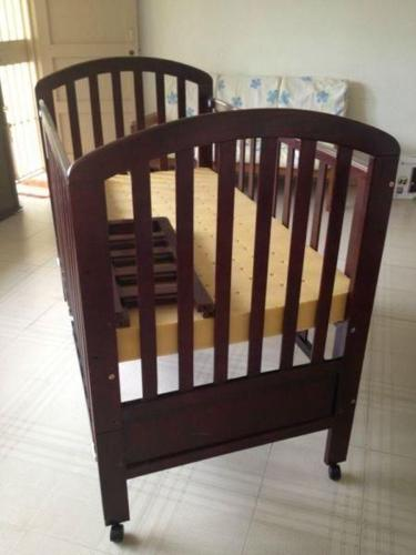 WOODEN CRAFT VANILLE CONVERTIBLE BABY COT FOR SALE!!!