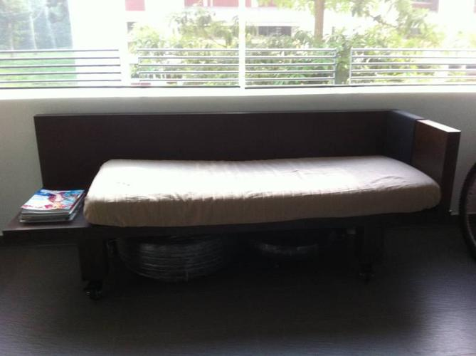 Wooden sofa day bed with locking wheels for sale in for Sofa bed singapore