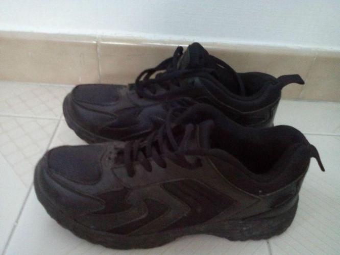 WTS : size US6 EU38 mens sports school shoes