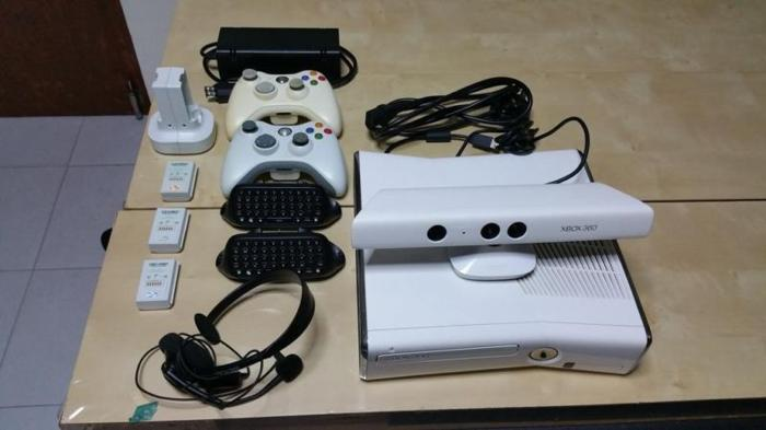 XBOX 360 WITH KINECT FOR SALE $299