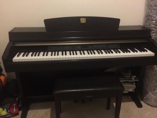 Yamaha Clavinova CLP 240/230 Piano for Sale
