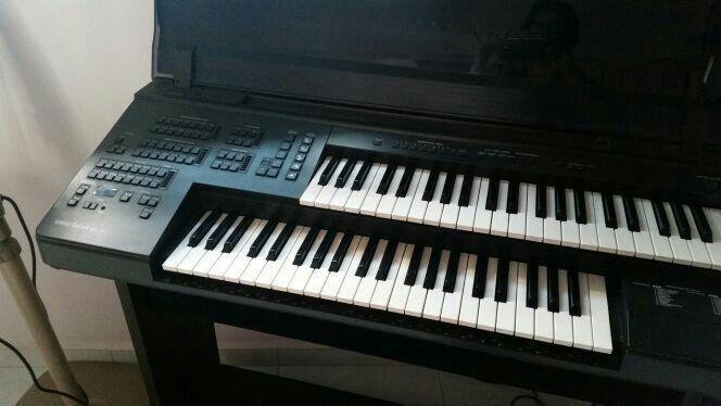 Yamaha Electone EL-7