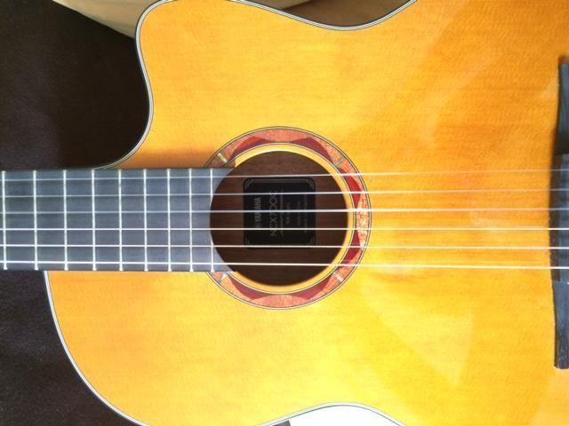 Yamaha Solid Cedar top, Electro-Acoustic Guitar