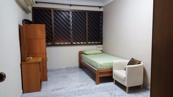 Yishun Blk727 - 1 Master room for rent. No Agent Fee