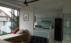 3 bedrooms Walk up apartment, 2 toilets, very spacious unit. Partial Furnished with aircon, 5 minutes walk to Methodist Girls' School, 3 bus stops away from NEX shopping mall. bus to Kovan MRT and and Serangoon MRT. Near to amenities and market.