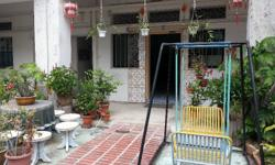 Ground Floor Apartment in Tiong Bahru for lease, can be use for home office or showroom. Size 90 sqm with 1 room and 1 toilet. Good frontage with garden.