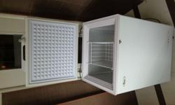 Chest Freezer, Bought New, 1yr old, Top open, includes